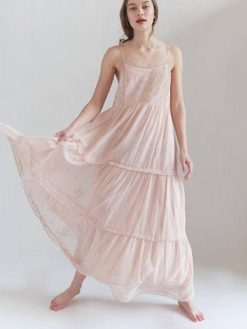 שמלת קומות מקסי עם רקמה UO