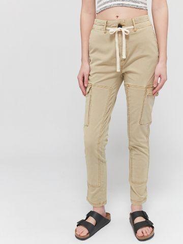 מכנסיים ארוכים בסגנון דגמ״ח UO של URBAN OUTFITTERS