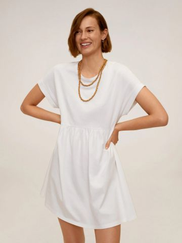 שמלת מיני מתרחבת עם שרוולים קצרים