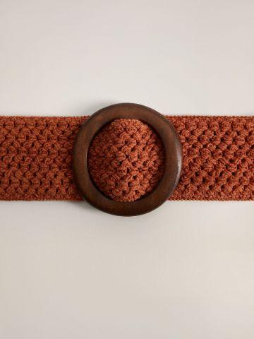 חגורה סרוגה בסגנון קלוע עם אבזם עץ / נשים