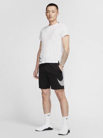 מכנסי אימון Dri-FIT קצרים עם לוגו