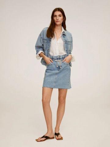 חצאית מיני ג'ינס עם שרוך של MANGO