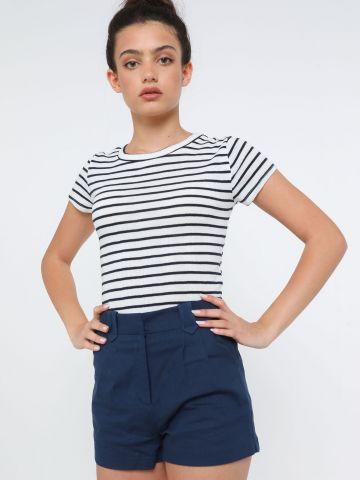 מכנסיים קצרים בגזרה גבוהה
