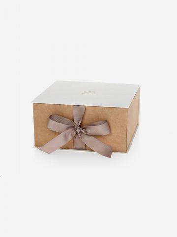 קופסת מתנה בניחוח פאוני וגרדניה של LALINE