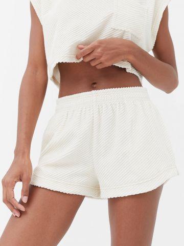 מכנסיים קצרים בטקסטורת ריב OUT From Under