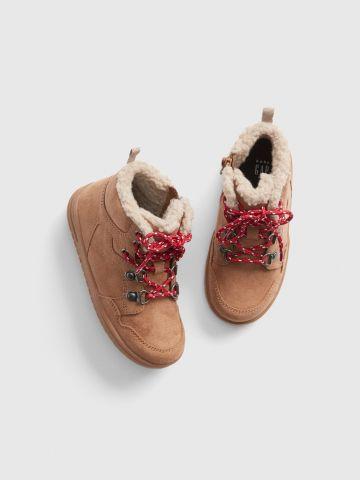 נעליים דמוי עור עם ביטנה פרוותית / בייבי