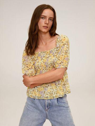 חולצת פרחים עם כיווצים של MANGO
