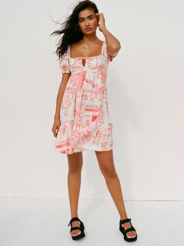 שמלת מיני קומות עם שרוולים נפוחים UO