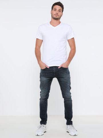 ג'ינס סופר סקיני עם שפשופים