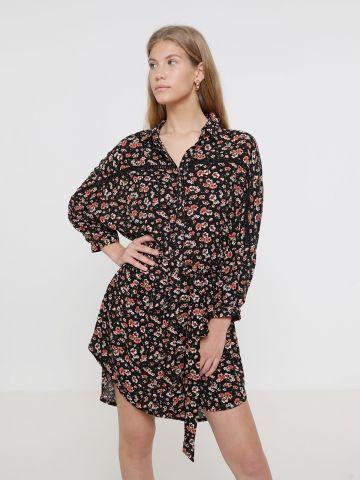 שמלת מיני בהדפס פרחים עם חגורה