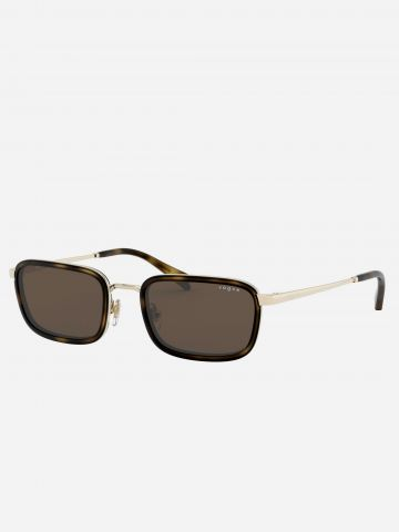 משקפי שמש מלבניים עם עדשות כהות Milli Bobby Brown של vogue eyewear