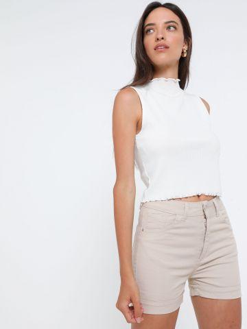 מכנסיים קצרים עם קיפול בסיומת