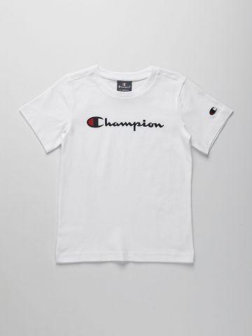 טי שירט עם הדפס לוגו / בנים של CHAMPION