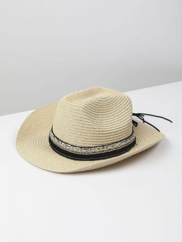כובע קש עם סרט בשילוב אבנים / נשים