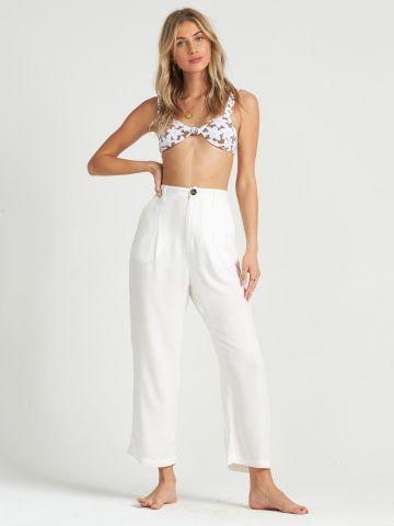 מכנסיים בגזרה רחבה בסגנון מחויט