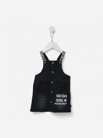 שמלת ג'ינס עם הדפס כיתוב / 2-5Y
