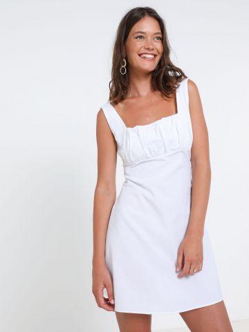 שמלת מיני עם קפלים בחזה