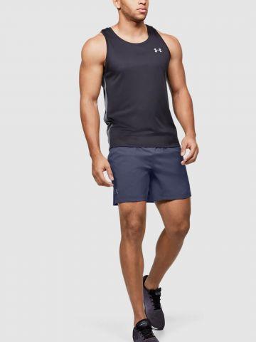 מכנסי אקטיב קצרים עם לוגו של UNDER ARMOUR