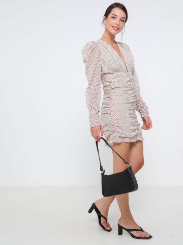 שמלת מיני עם עיטורי כיווצים