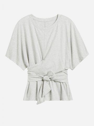 חולצה מתרחבת בסגנון מעטפת וקשירה / נשים של BANANA REPUBLIC