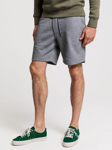 מכנסי טרנינג ברמודה עם לוגו