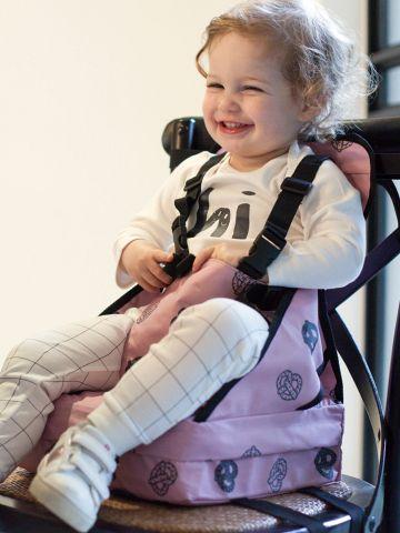כיסא האכלה עם הגבהה ומשענת בהדפס בייגלה / בייבי בנות