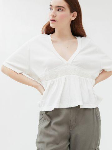 חולצת בייבידול עם רקמה UO