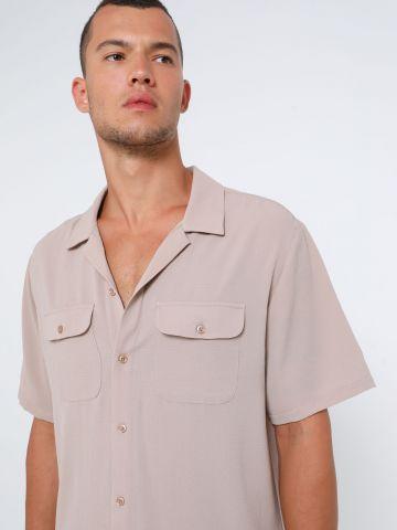 חולצה מכופתרת בטקסטורה UO