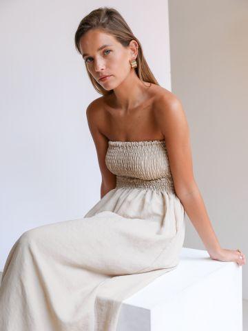 שמלת מקסי סטרפלס עם כיווצים