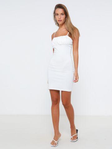 שמלת מיני שקפקפה עם כיווצים