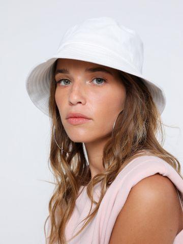 כובע באקט צר שוליים של TERMINAL X