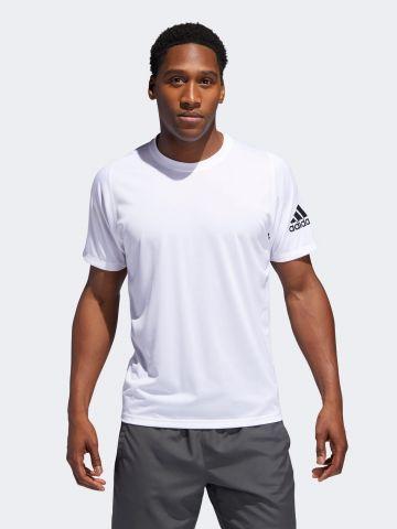 חולצת אימון עם לוגו
