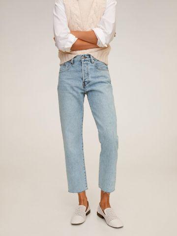 ג'ינס קרופ בגזרה ישרה ובשטיפה בהירה של MANGO