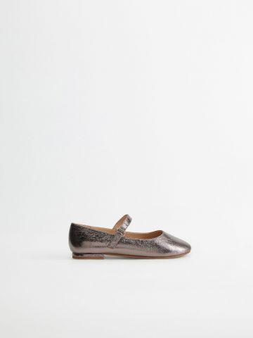 נעלי בובה בגימור מטאלי / בנות של MANGO