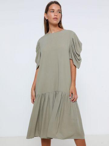 שמלת מידי פפלום עם שרוולים נשפכים של YANGA