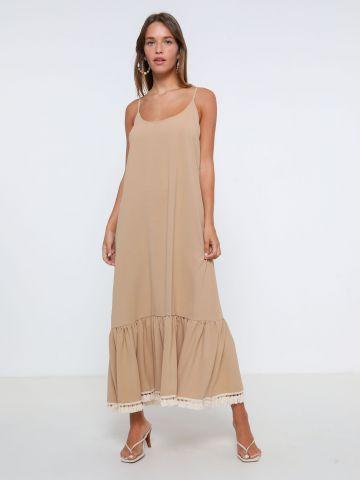 שמלת מקסי פפלום עם פרנזים של YANGA
