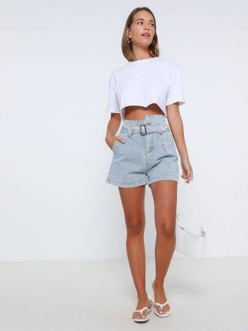 ג'ינס קצר עם חגורה של YANGA