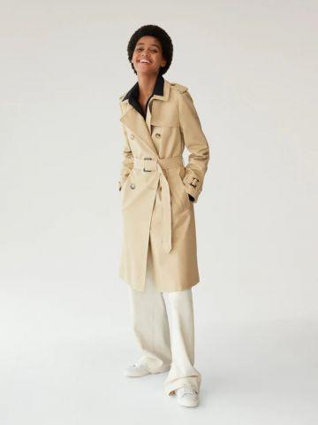 מעיל טרנץ' עם רכיסה כפולה של MANGO