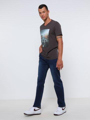 ג'ינס בשטיפה כהה של FOX