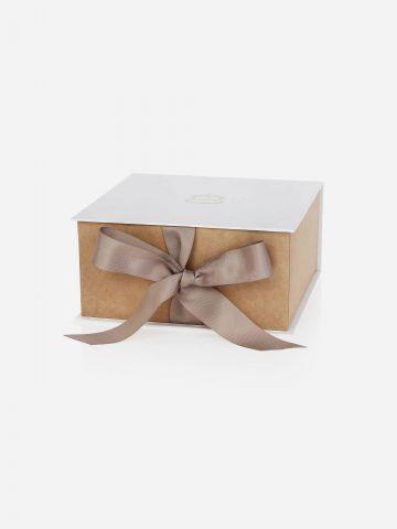 קופסת מתנה Peony Gardenia של LALINE